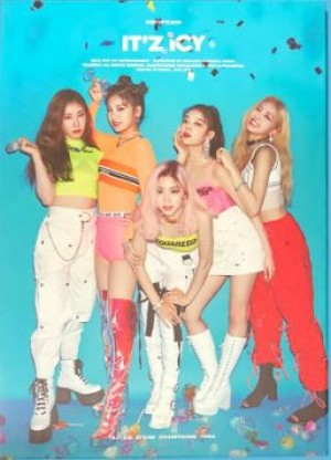 ITZY 1ST MINI ALBUM: IT'Z ICY (IT'Z VER)